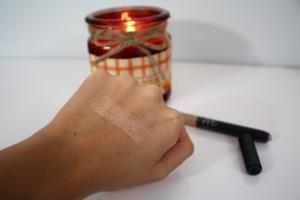 NARS Eyeshadow stick Swatch