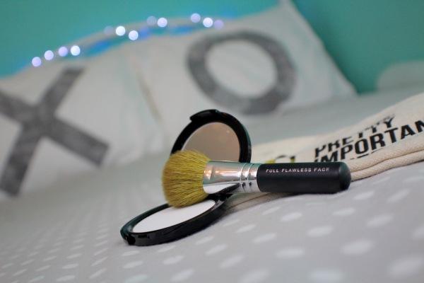 bareMinerals brush