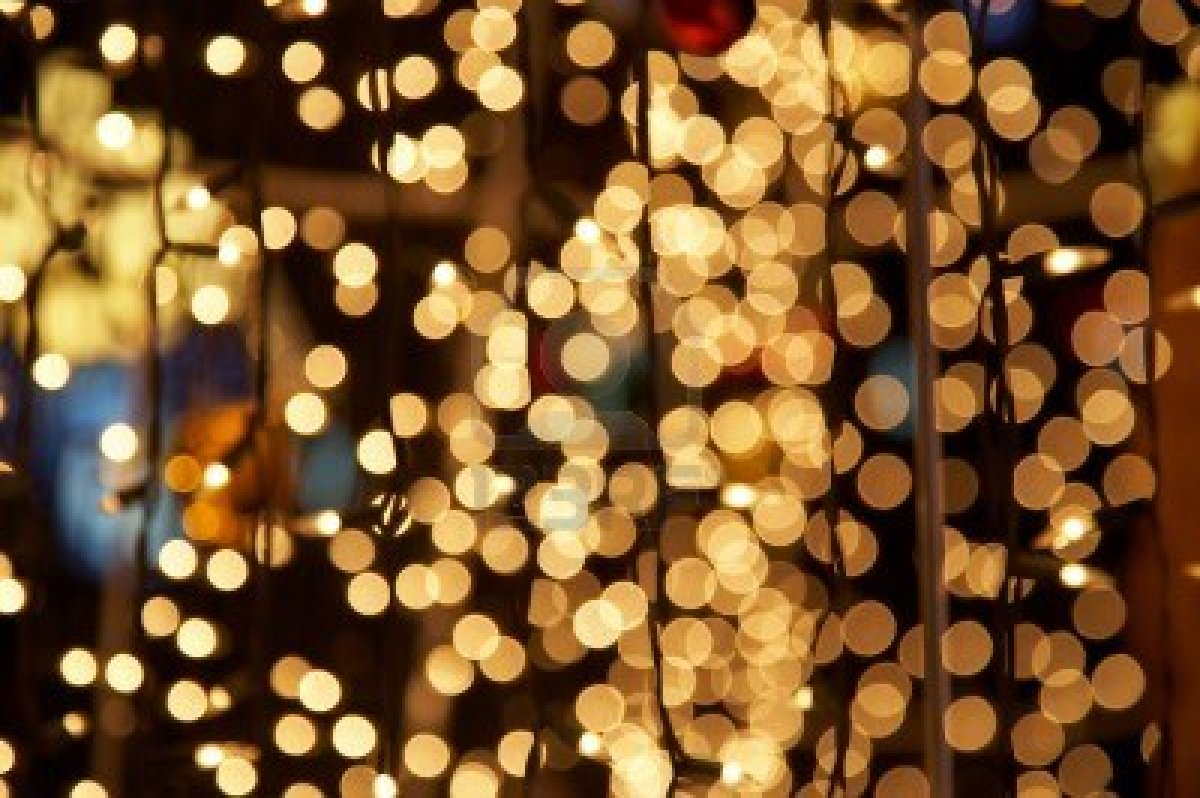 Published December 10, 2015 at 1200 × 798 in 4088419-holiday-lights ...